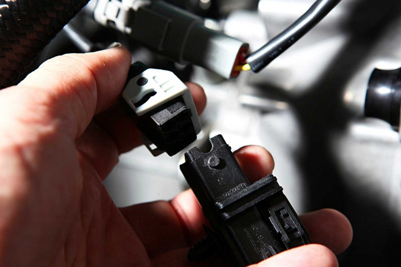 AEM Electronics Sensor Install in Honda B-Series 34